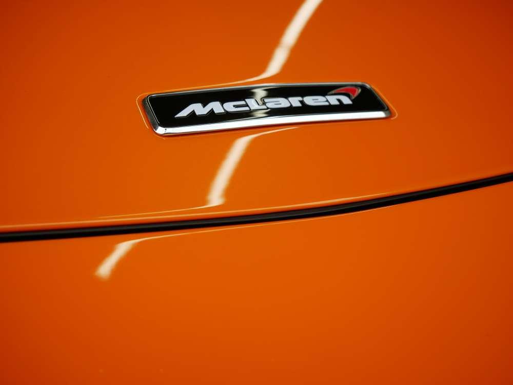 マクラーレン570S ボディ施工
